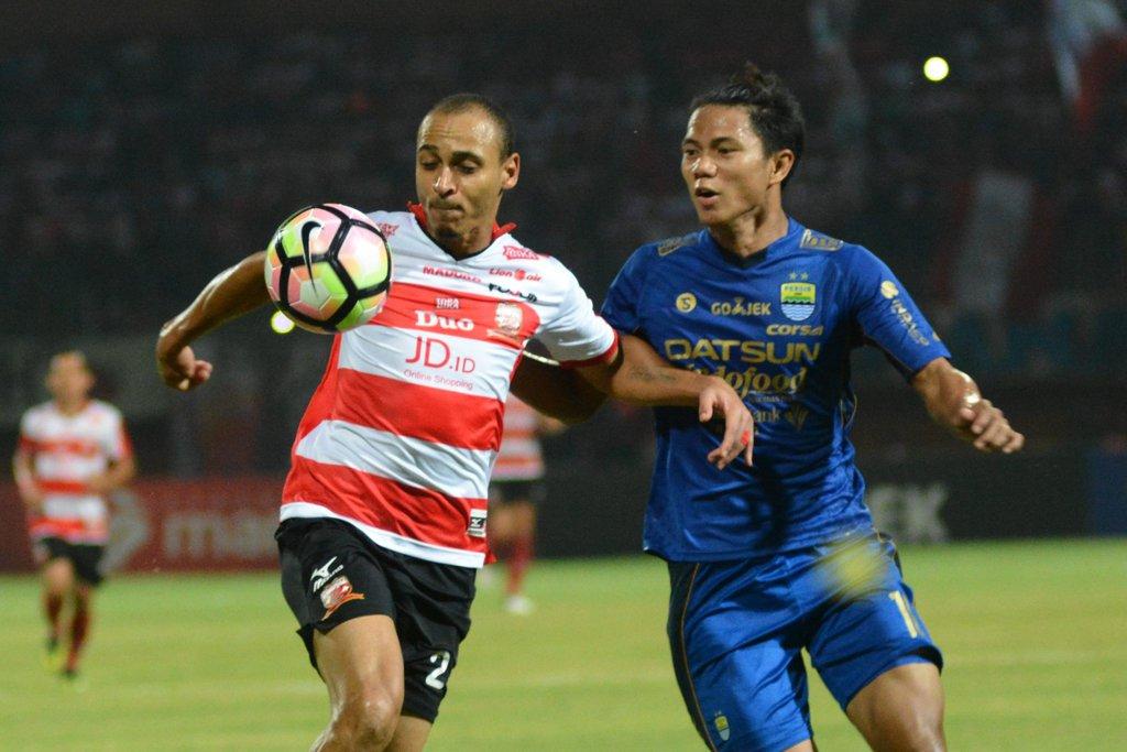 Prediksi Pertandingan Bola Persib Bandung Vs Madura United 29 September 2018